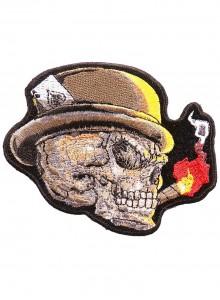 Череп в шляпе с сигаретой
