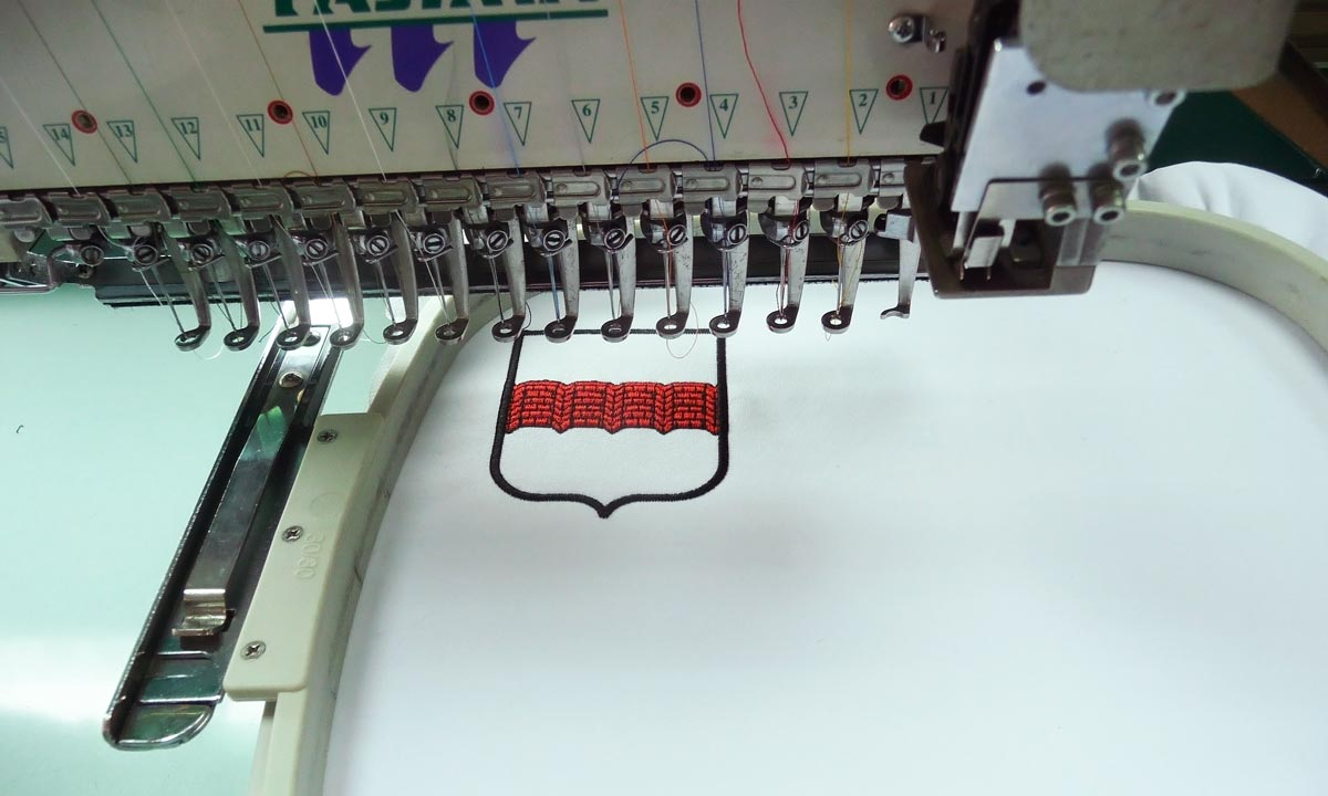 Фото создания компьютерной вышивки в нашей студии
